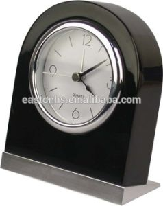 Wooden Silent Black Alarm Clock pictures & photos