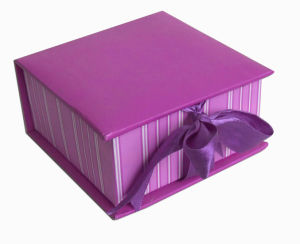 Gift Paper Box/Foldable Box/Jewelry Paper Box/Cosmetic Box (CP4016)