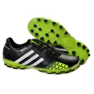 Wholesale Black with Green Football Shoe Brazil World Cup Sport Shoe Men pictures & photos