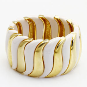 Fashion Jewelry Alloy and Resin Bracelet (B-1918) pictures & photos