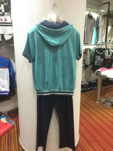 Summer Sports 2 PCS Sutis Clothes Wtih Hood and Zipper+Long Pants Fw-8816 pictures & photos