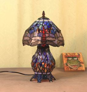 Art Tiffany Table Lamp 819 pictures & photos