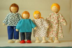 Wooden Toys Dolls Family 4PCS