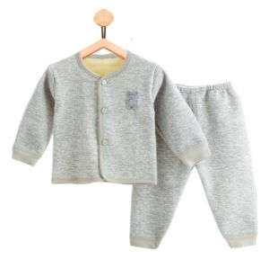 2017 New Fashion Long Sleeve Warm Suit Golden Fleece Baby Clothes pictures & photos