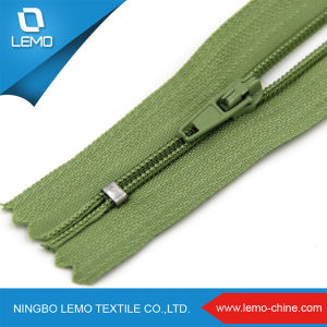 #3 #4 #5 C/E a/L Customer Nylon Zipper for Jeans pictures & photos