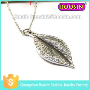 Wholesale Metal Alloy Silver Plated Rhinestone Arrowhead Pendants #15365 pictures & photos