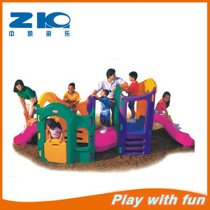 Playground Equipment Plastic Slide Factory Selling pictures & photos