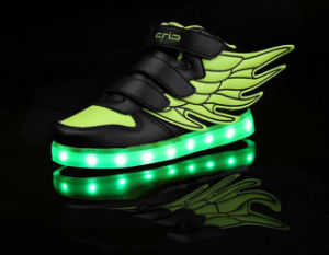 OEM New Fashion Light up LED Shoe pictures & photos