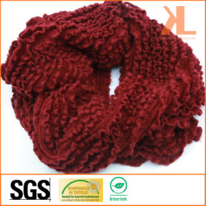 100% Acrylic Fashion Burgundy Creased Knitted Lady Neck Scarf pictures & photos