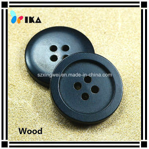 Painted Black Color 4 Holes Wood Button for Clothes pictures & photos