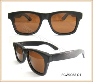 Classic Black Wooden Glasses in Tac Lens pictures & photos