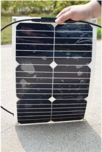 15W/18V 18W/18V 20W/18V Sunpower Flexible Solar Panel pictures & photos