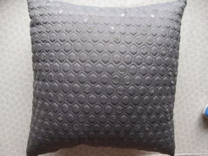 Mercury Embroidery Solid Color Squard Pillow pictures & photos