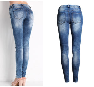 Plus Size Girl Damaged Jeans Slim Jeans pictures & photos