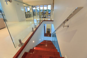 Stairwell Spigot Glass Railing/Balustrade pictures & photos