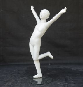 Shiny White Children Mannequin for Dress pictures & photos