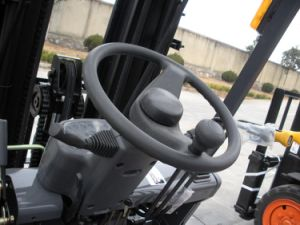 3.5 Ton LPG Forklift with Japanese Nissan K25 Engine pictures & photos