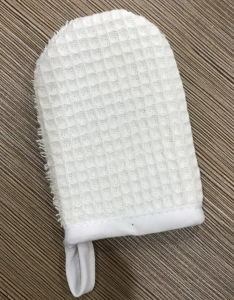 Bath SPA Facial Sponge Shower Exfoliating Face Cleaning Glove pictures & photos
