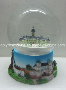 Resin Souvenir Snow Globe for Germany pictures & photos