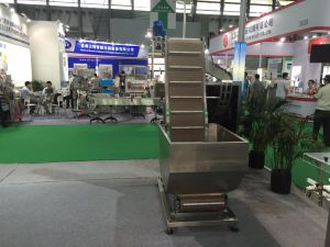 Plastic Lid Capping Machine pictures & photos