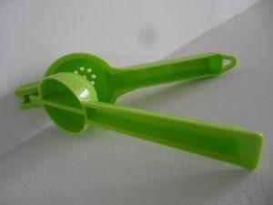 Food Grade Colorful Plastic Lemon Squeezer pictures & photos