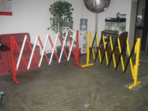 Yellow Color Safety Steel Expandable Road Barrier pictures & photos