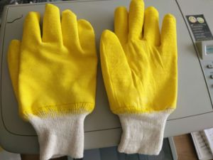 Knit Wrist, Yellow Latex Fully Coated Safety Work Gloves (L032) pictures & photos