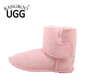 Genuine Sheepskin Baby Toddler Shoes with Soft Sole in Pink Color pictures & photos