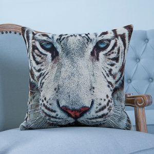 Digital Print Decorative Cushion/Pillow with Tiger/Giraffe/Bear Pattern (MX-16) pictures & photos