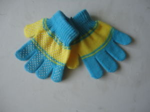 Children Winter Acrylic Gloves Dispensing Gloves pictures & photos