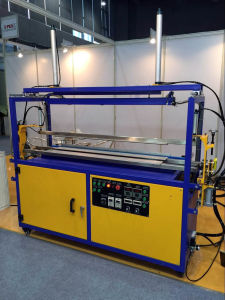 Automatic Acrylic Bending Machine with Top and Button Heaters pictures & photos