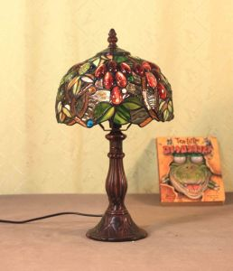 Art Tiffany Table Lamp 817 pictures & photos