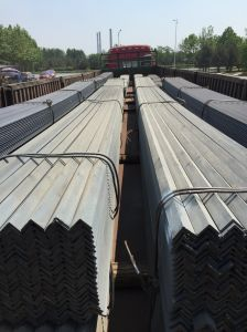 Ss400 Grade Hot Rolled Steel Angle Bar with ISO 9001 Certificate pictures & photos