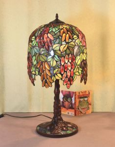 Art Tiffany Table Lamp 837 pictures & photos