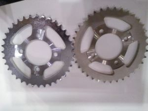 Motorcycle Sprocket (428/420/520) pictures & photos