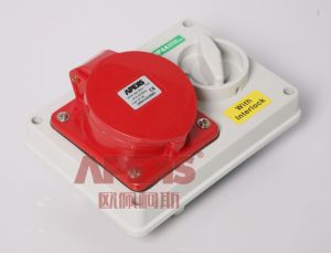 Cee Interlocked Switch Socket/IP44/16A/32A pictures & photos