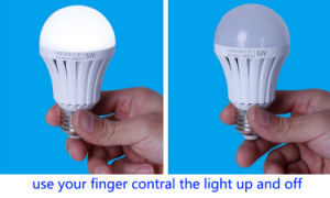 High Quality Indoor Rechargeable Emergency LED Bulb 5W pictures & photos