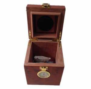 Small Nature Wooden Cigar Storage Humidor pictures & photos