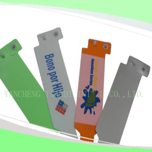 Professional Entertainment Hot Selling Custom Made Disposable Plastic Wristbands (E8020-4) pictures & photos