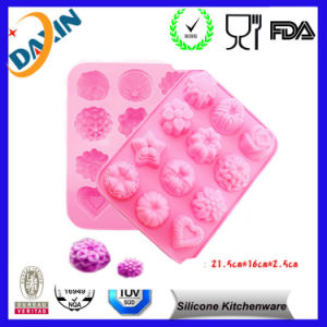 Heart Shape Silicone Ice Cube Tray Candy Chocolate Jelly Mold pictures & photos