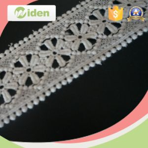 Multi Color Guipure Lace Fabric Beautiful Flower Pattern Chemical Lace pictures & photos