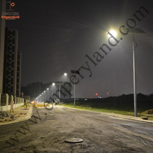 8m Pole 80W Solar Street Light with CE IP68 (DZS-004) pictures & photos