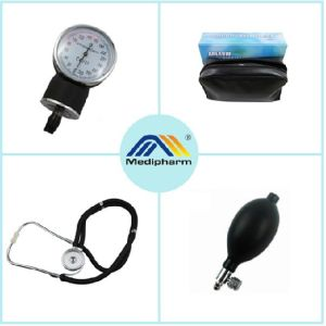 Standard Aneriod Blood Pressure Monitor with Stethoscope /Medical Sphygmomanometer pictures & photos