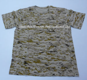 Knitted Desert Digital Camouflage T-Shirt with Same Color Neck pictures & photos