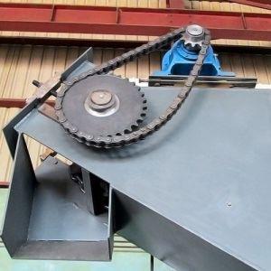 High Effective Vertical Chain Conveyor, Inlined Scraper Conveyor pictures & photos