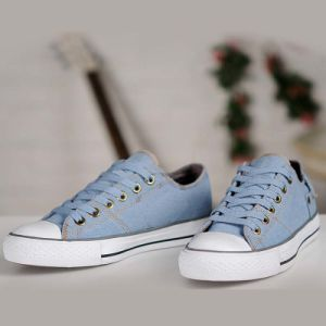 Classic Style Unisex Lace-up Anti-Silp Blue Canvas Skateboard Shoes pictures & photos