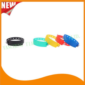 Customed PE Entertainment Plastic Event Party Identification Wristbands Bracelet (E6060C2) pictures & photos