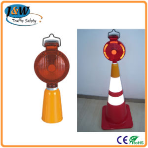 High Brightness Solar Warning Light Mounted on Traffic Cone pictures & photos