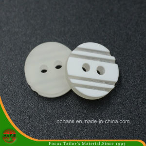 2 Holes New Design Polyester Shirt Button (S-126) pictures & photos