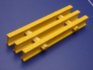 FRP GRP Fiberglass Pultruded Grating with Gritted Surface pictures & photos